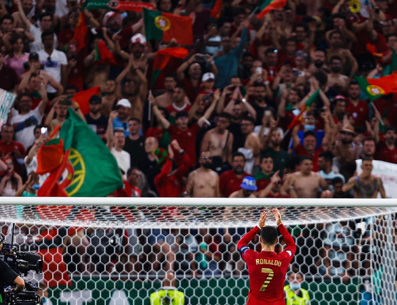 Ronaldo viết tâm thư cảm động chia tay EURO 2020 - Bóng Đá