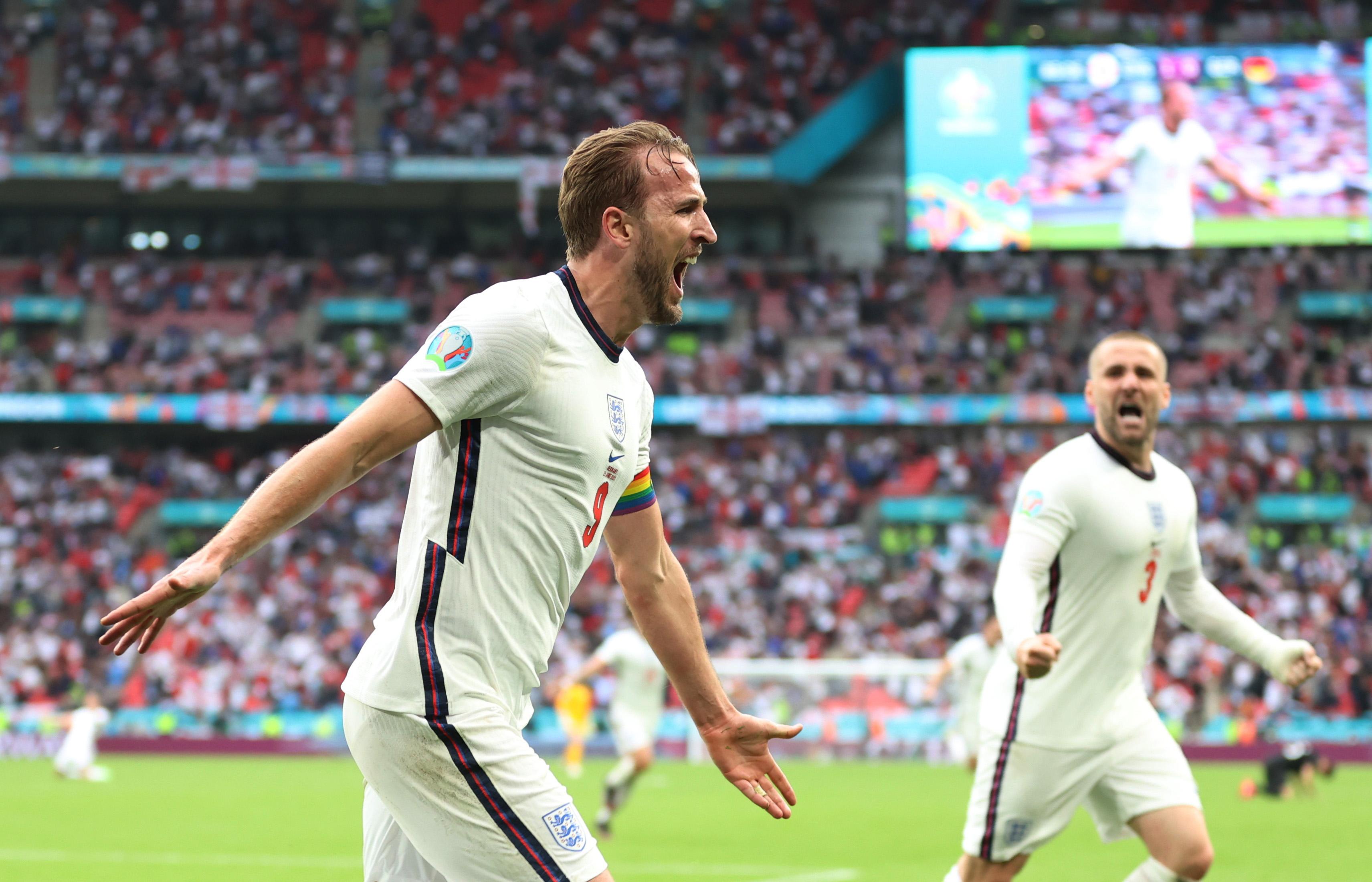 Xác định 4 cặp đấu tứ kết ở EURO 2020 - Bóng Đá