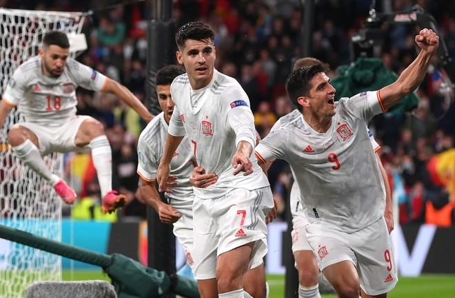 Morata xô đổ kỷ lục ghi bàn của Torres ở EURO - Bóng Đá