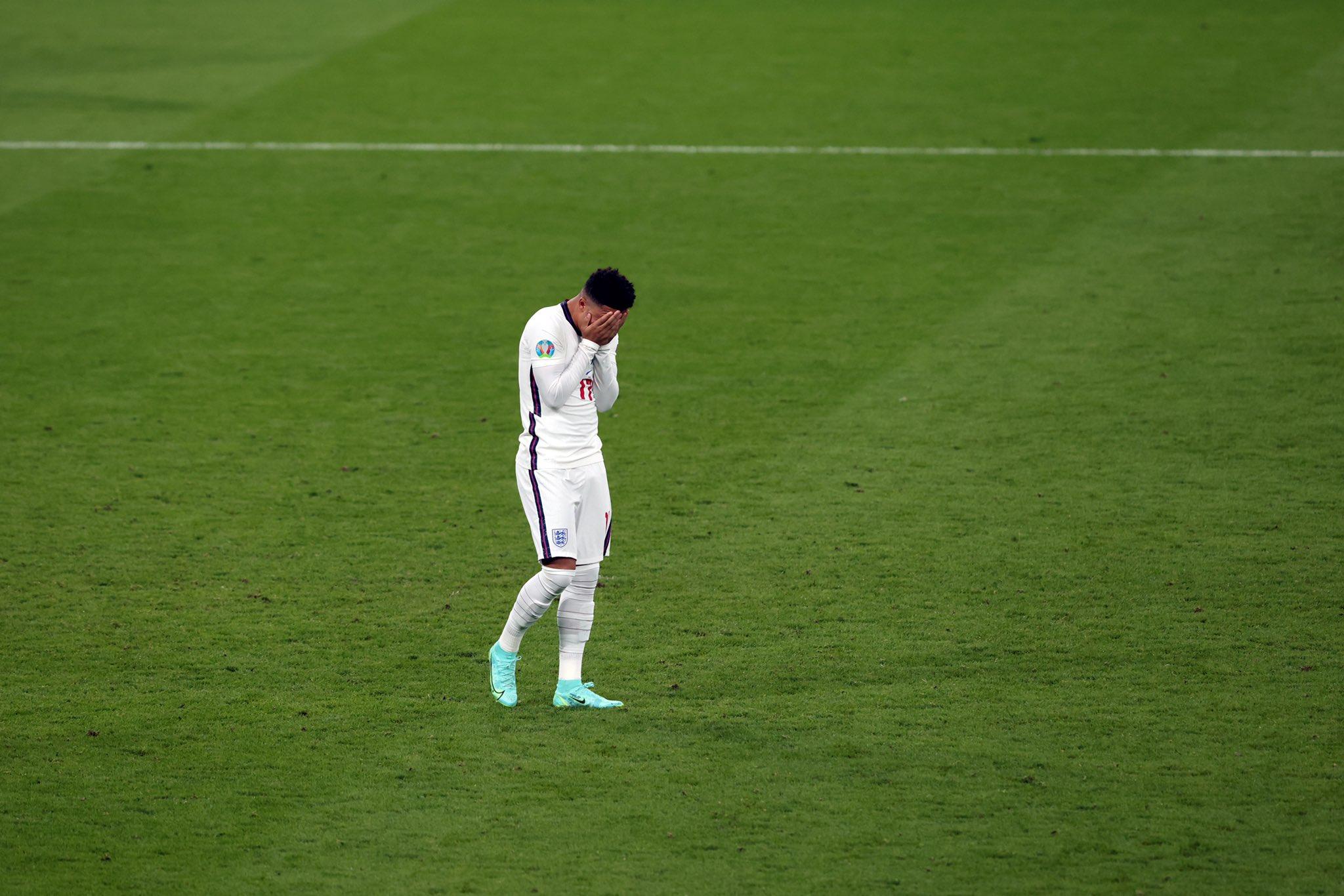 Tới lượt Sancho viết tâm thư sau sự cố ở EURO 2020 - Bóng Đá