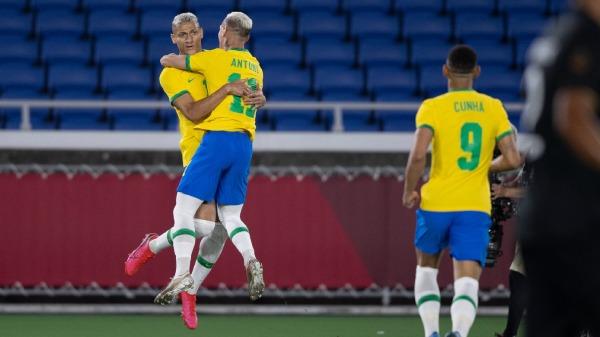 Sao Premier League lập hattrick, Olympic Brazil hủy diệt Đức - Bóng Đá