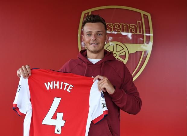 Ra mắt Arsenal, bom tấn đắt giá chốt số áo huyền thoại - Bóng Đá