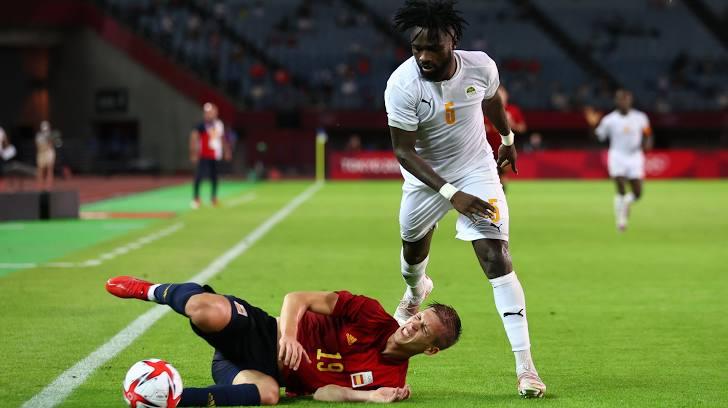 Ghi bàn rồi dùng tay chơi bóng, sao M.U hóa tội đồ ở Olympic - Bóng Đá