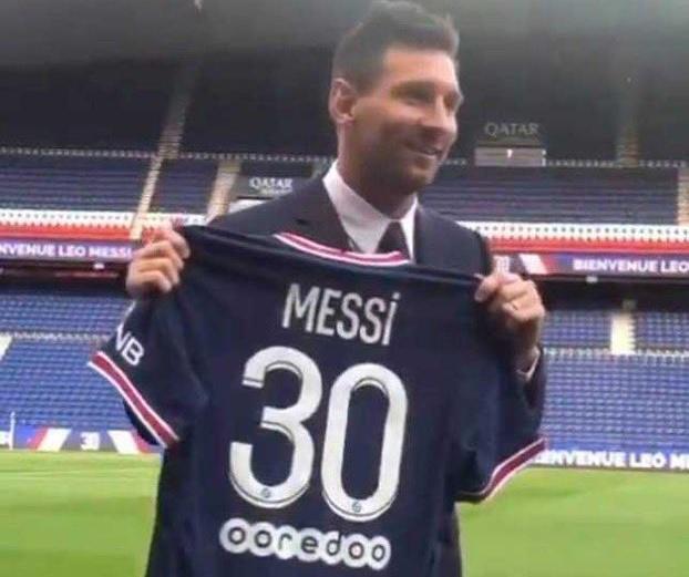 CHÍNH THỨC! Leo Messi ra mắt PSG, chốt luôn số áo - Bóng Đá