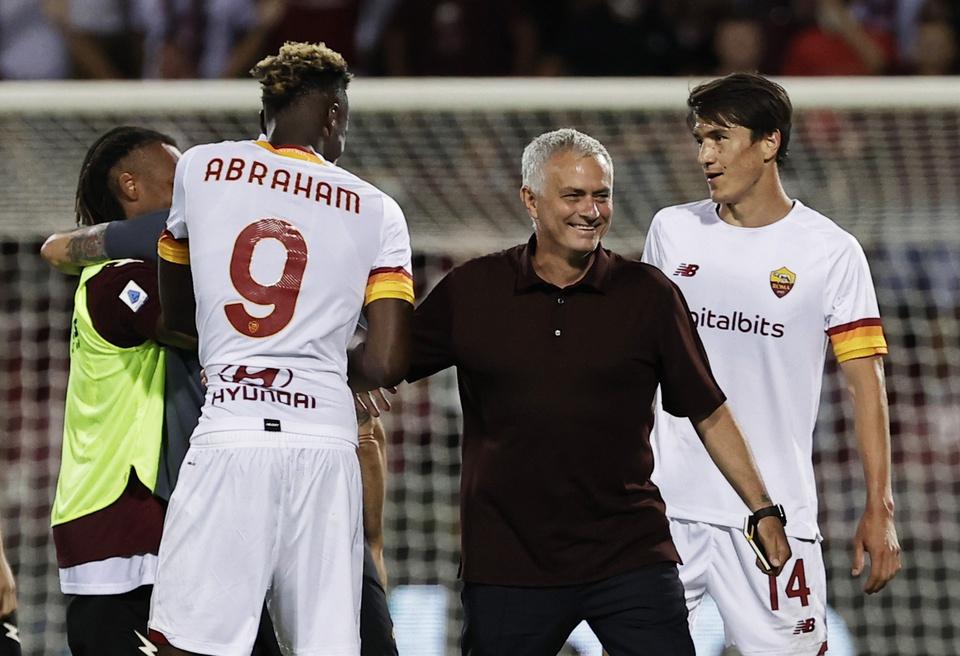 Rời Chelsea, hàng thải ghi siêu phẩm giúp đội bóng của Mourinho toàn thắng - Bóng Đá