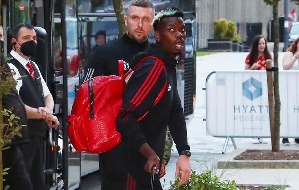 Nc247info tổng hợp: M.U tới khách sạn Lowry: Ronaldo có mặt, bất ngờ Cavani