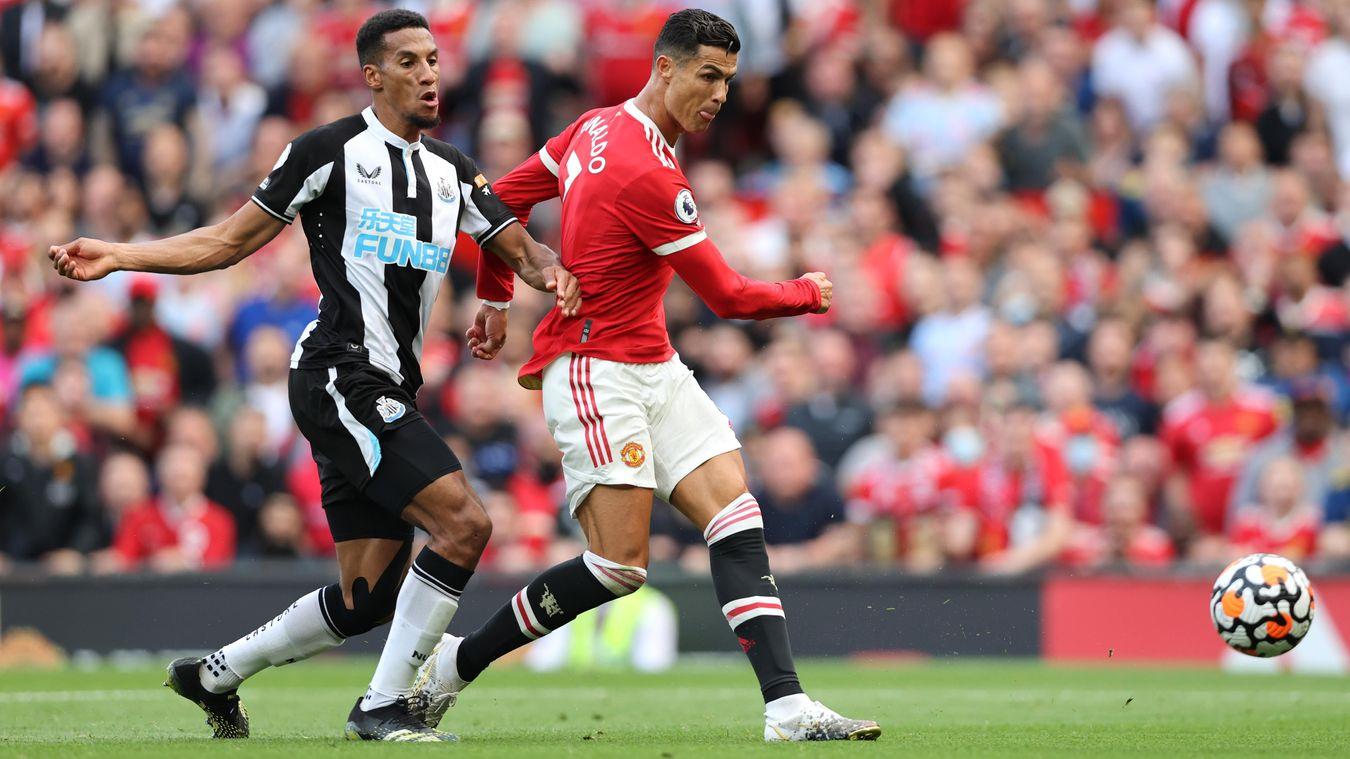 Ronaldo lập cú đúp, Sir Alex phản ứng tuyệt vời trên khán đài - Bóng Đá