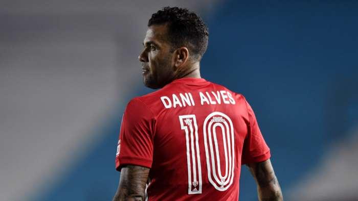 Sao Paulo part ways with Dani Alves over wage dispute - Bóng Đá