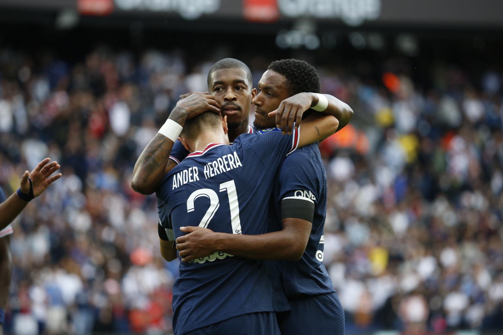 PSG đè bẹp đối thủ 4-0 trong ngày vắng Messi - Bóng Đá