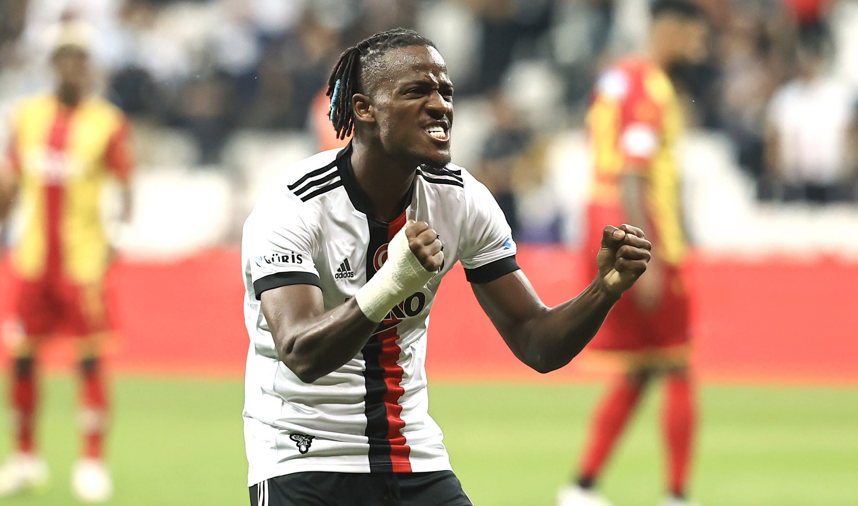 Michy Batshuayi scores first goals for Besiktas since joining on loan from Chelsea - Bóng Đá