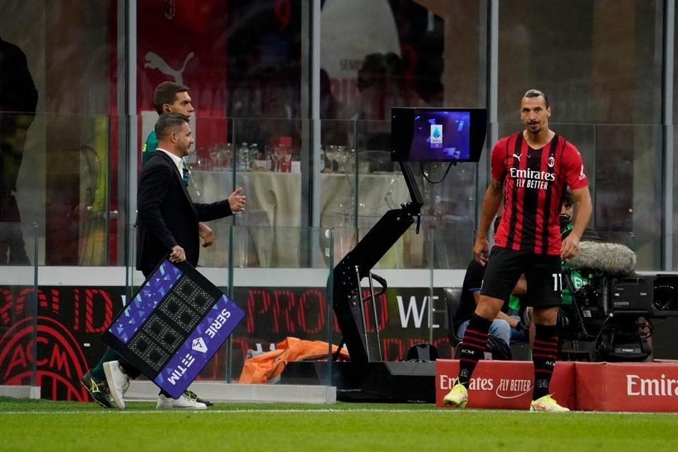 Choáng với cơ bắp cuồn cuộn của Ibrahimovic ở tuổi 39 - Bóng Đá