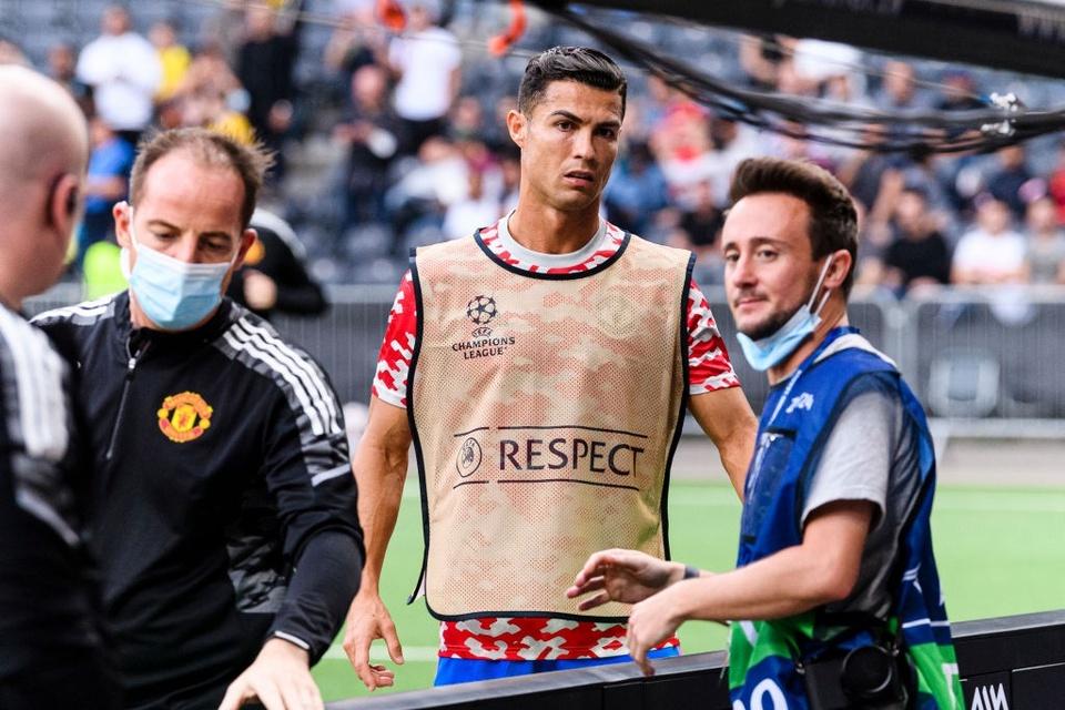 Ronaldo để lại hành động đẹp khi Man Utd bại trận - Bóng Đá