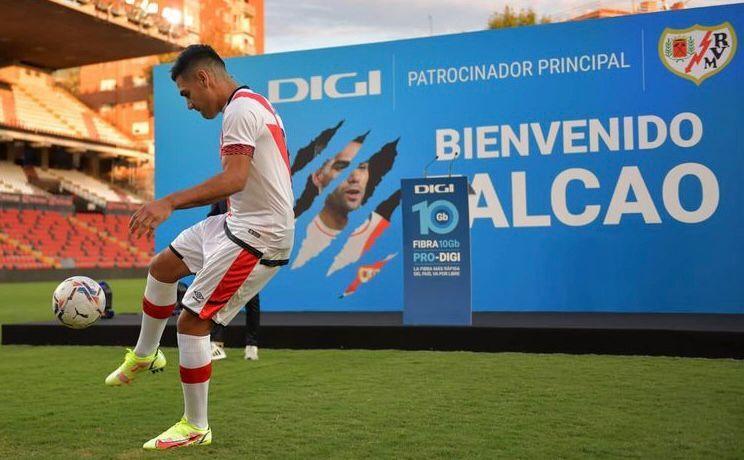 Khoác áo số lạ, Falcao ghi bàn ra mắt giúp đội nhà thắng đậm - Bóng Đá