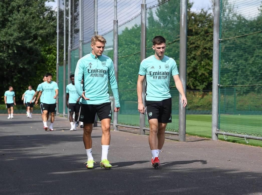 Bầu không khí tuyệt vời trên sân tập, tân binh Arsenal cười tươi rói - Bóng Đá