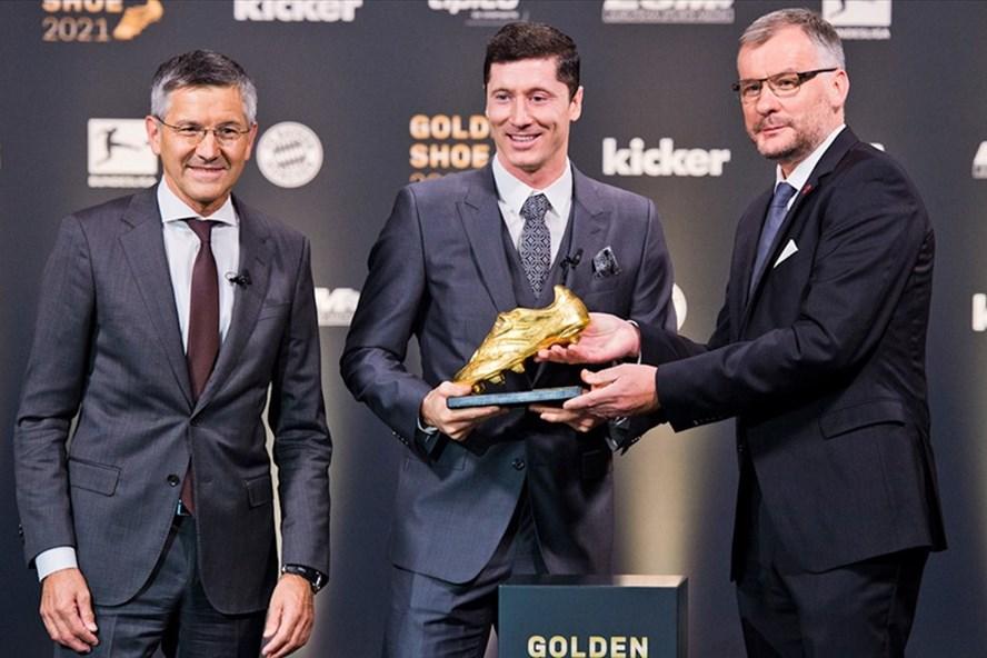 CHÍNH THỨC! Lewandowski nhận giải thưởng Chiếc giày vàng châu Âu - Bóng Đá