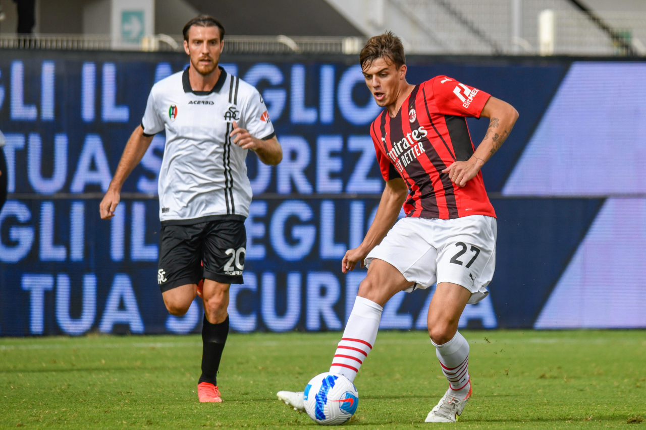 Đá trận ra mắt, con trai Maldini ghi bàn giúp AC Milan lên đầu bảng - Bóng Đá