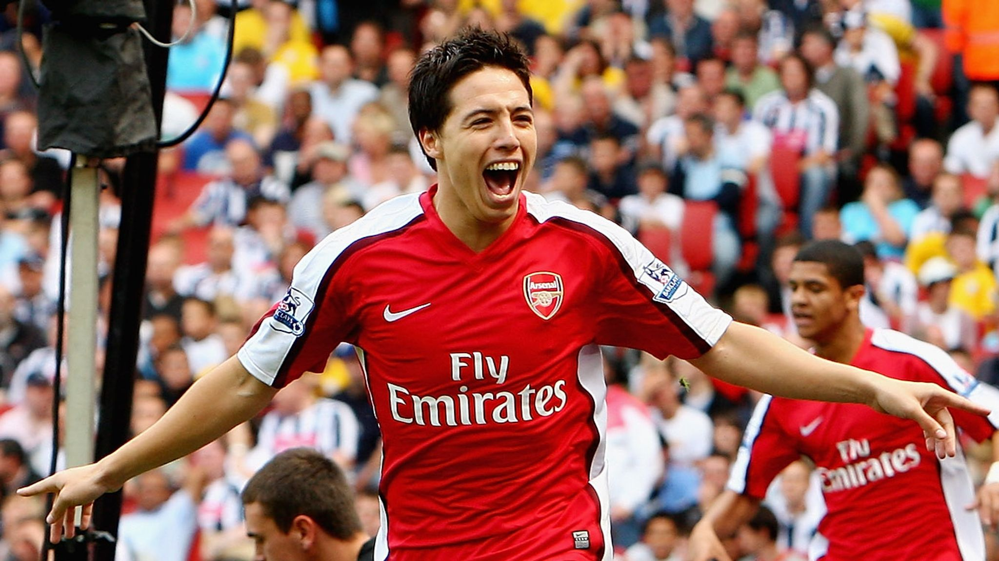 Samir Nasri has confirmed his retirement from football at the age of 34. - Bóng Đá