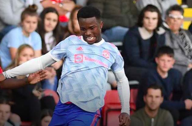 Manchester United's hidden gem as young defender shines after summer loan transfer - Bóng Đá