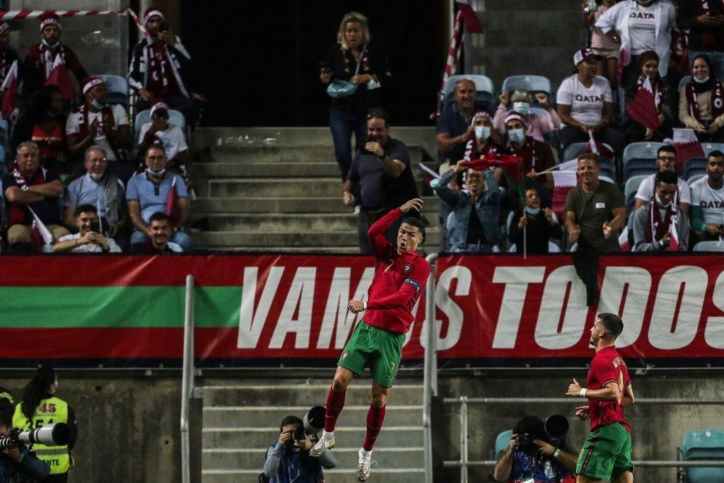 Ronaldo đệm bóng ghi bàn, Bồ Đào Nha giành chiến thắng 3-0 - Bóng Đá