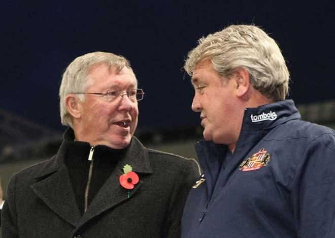 Man Utd legend Sir Alex Ferguson 'smashed up' Steve Bruce's mobile phone - Bóng Đá