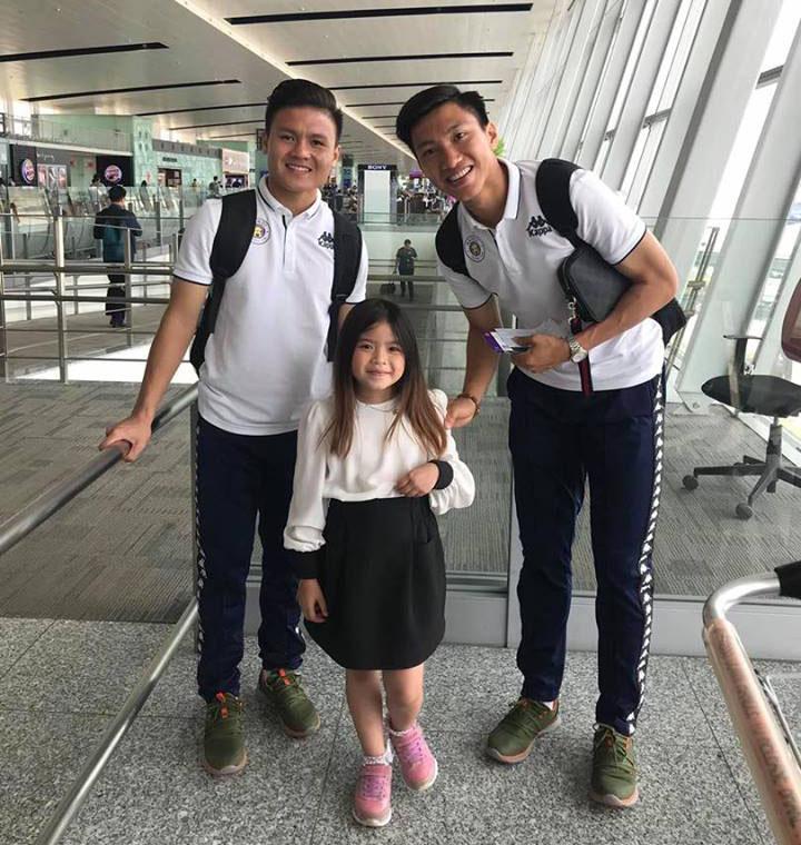 CLB Hà Nội đặt chân đến Bangkok, sẵn sàng đụng độ