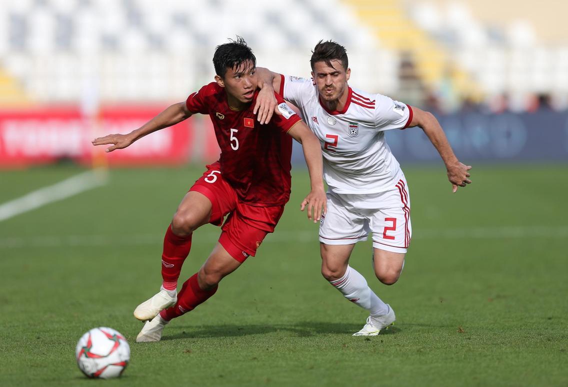 Văn Hậu thi đấu ngày càng chững chạc trong đội hình CLB Hà Nội và ĐT Việt Nam