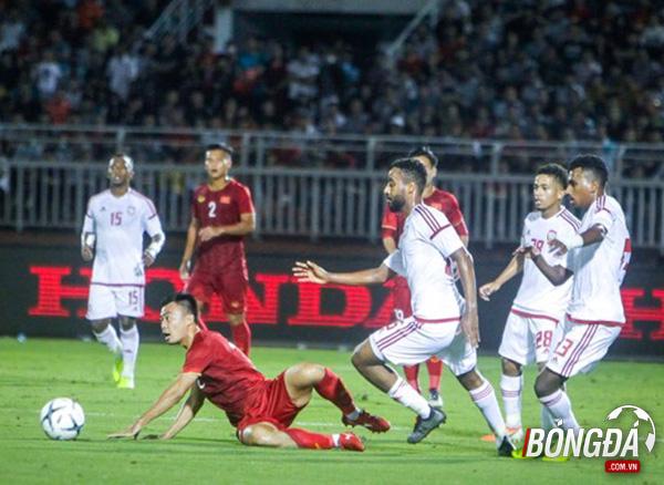 TRỰC TIẾP U22 Việt Nam 0-0 U22 UAE (Hiệp 1): Đức Chinh tiếp tục quấy rối hàng thủ đối phương - Bóng Đá