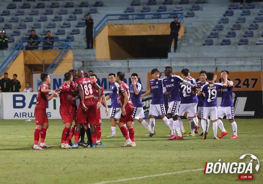 Sau trận Hà Nội vs CLB TP.HCM - Bóng Đá