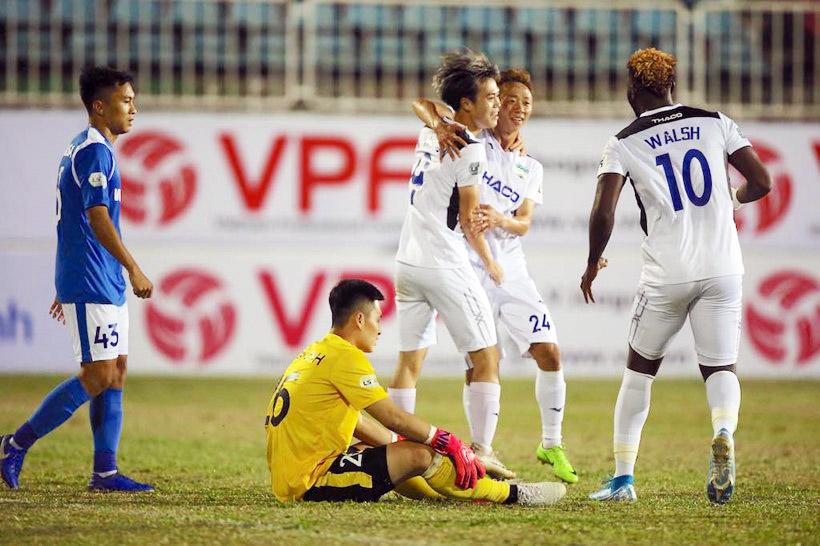FIFA dời lịch VL World Cup 2022: Khó cho HLV Park Hang-seo lẫn VPF - Bóng Đá