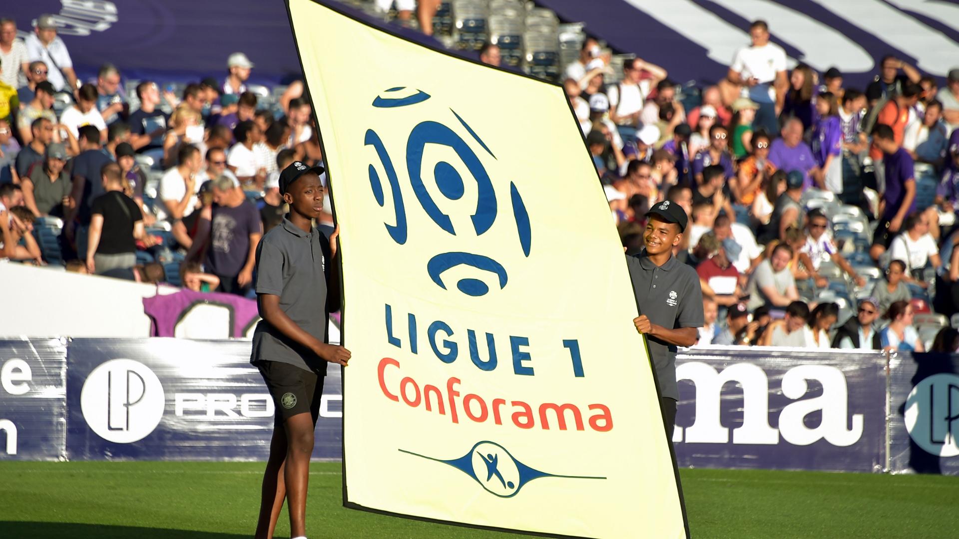 Học theo Tottenham, đến lượt Lyon gửi yêu sách lên BTC Ligue 1 - Bóng Đá