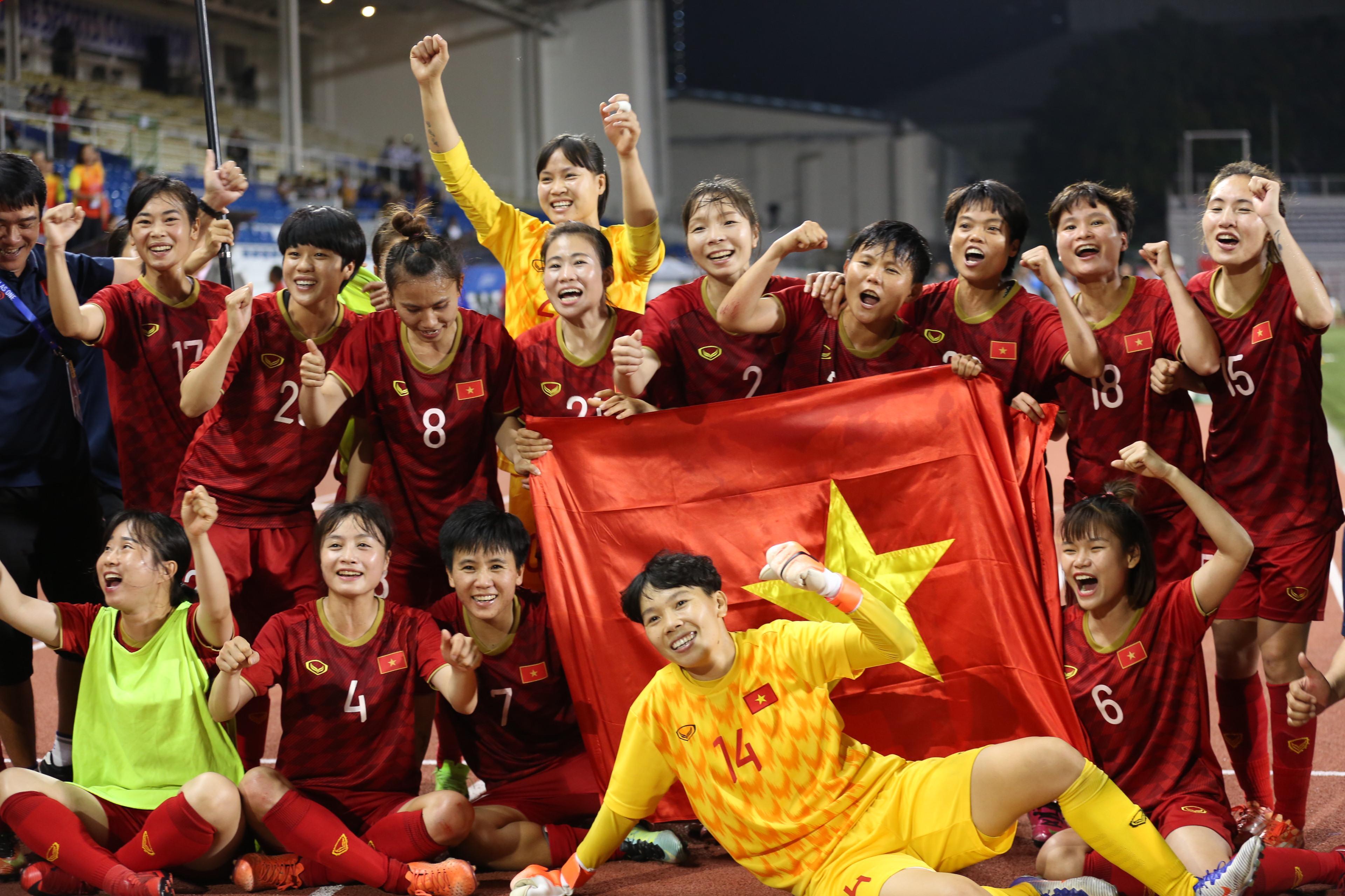 Rơi 3 bậc trên BXH FIFA, ĐT Việt Nam vẫn bỏ xa người Thái - Bóng Đá