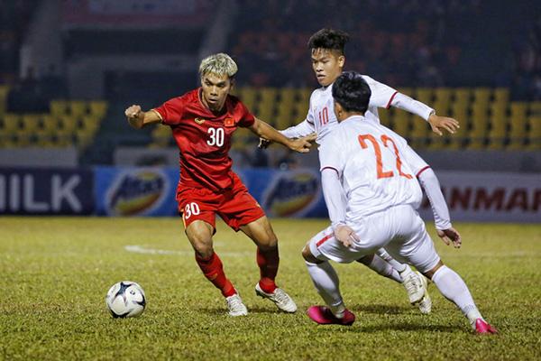 Thầy Park tấm tắc khen 1 cái tên ở hàng tiền vệ ĐT Việt Nam - Bóng Đá