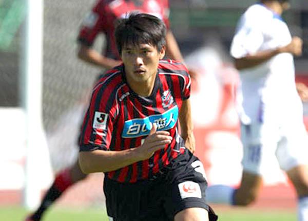 Trước Đặng Văn Lâm, cầu thủ Việt Nam sang Nhật thi đấu ra sao? - Bóng Đá