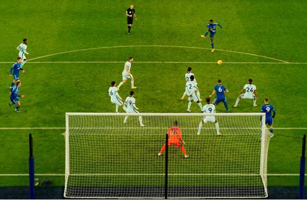 Vardy đã việt vị hay chưa trong bàn thắng thứ 2 của Leicester vào lưới Chelsea? - Bóng Đá