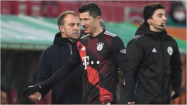 Đã rõ lý do Lewandowski bị thay ra sớm ở trận gặp Augsburg - Bóng Đá