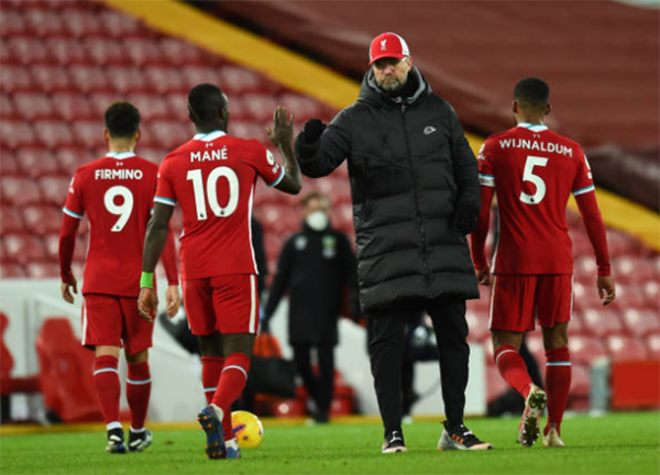 Thua sốc Burnley, Carragher chỉ ra 5 cái tên gặp vấn đề ở Liverpool - Bóng Đá