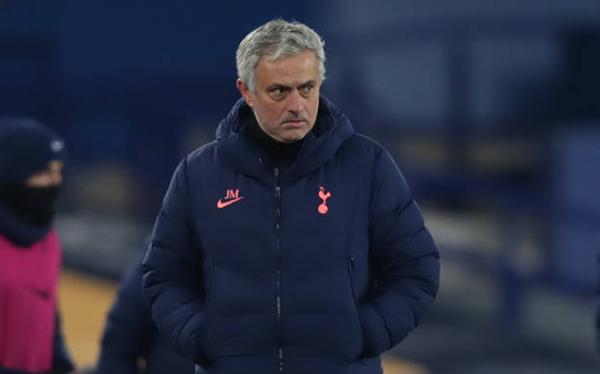 Jose Mourinho chạm mốc kỷ lục buồn sau trận đấu điên rồ với Everton - Bóng Đá