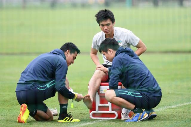 HLV Kiatisak hé lộ khả năng ra sân của Tuấn Anh trận gặp Nam Định - Bóng Đá
