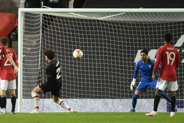 Cavani nã volley, Man Utd nhẹ nhàng tiến vào bán kết Europa League - Bóng Đá