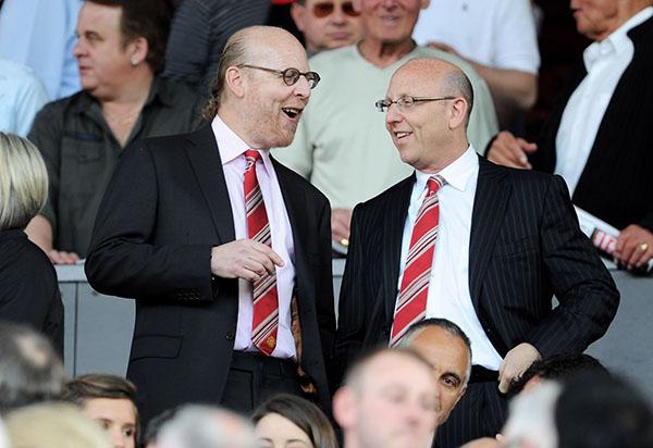 Phản đối Super League, Gary Neville muốn nhà Glazers rời Man Utd - Bóng Đá