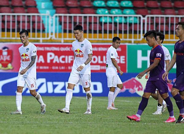 Hòa B.Bình Dương, HAGL để lộ điểm yếu khi thi đấu trên sân nhà Pleiku - Bóng Đá