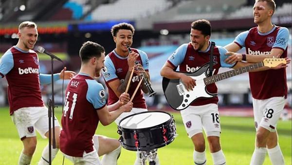 Sanchez, Alisson, Cech và các sao bóng đá chơi giỏi nhạc cụ - Bóng Đá