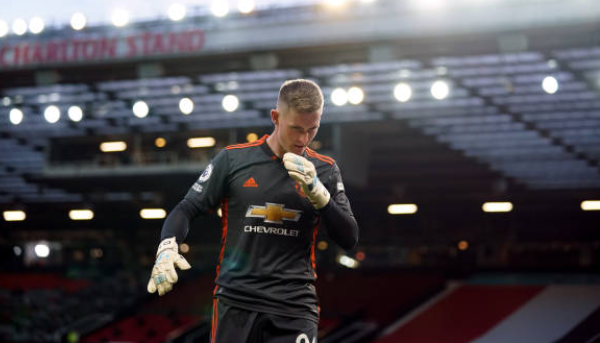 Thua đau Liverpool, CĐV Man Utd đòi tống khứ 1 cái tên khỏi đội hình - Bóng Đá