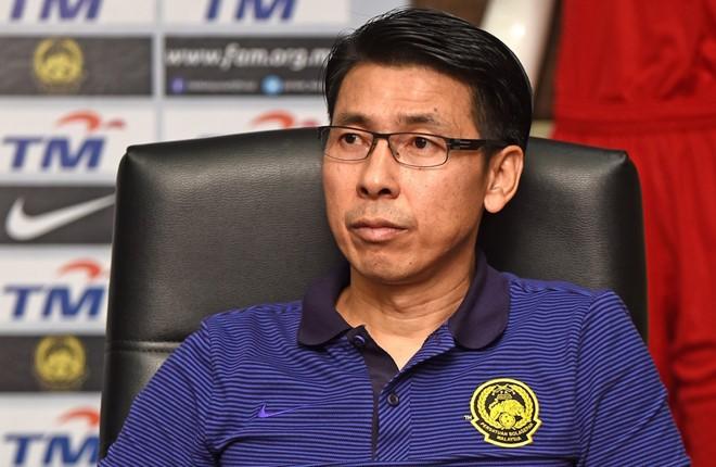 Sắp đụng độ ĐT Việt Nam, HLV Malaysia vào vai