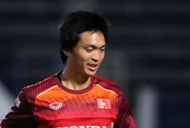 Tuấn Anh tập riêng, bỏ ngỏ khả năng ra sân trận Malaysia - Bóng Đá