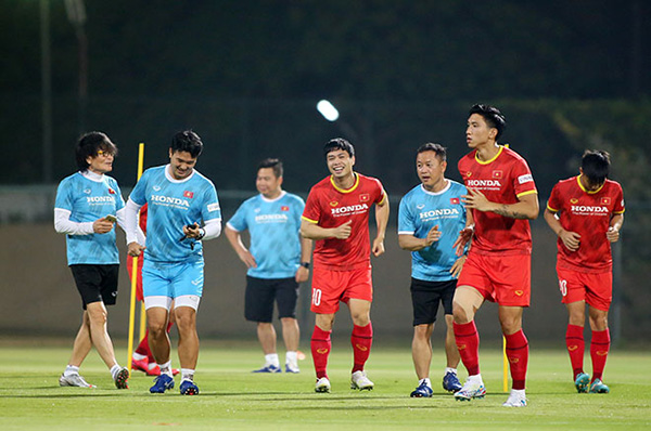 CHÍNH THỨC: Thầy Park chốt danh sách 23 cầu thủ dự trận Malaysia - Bóng Đá