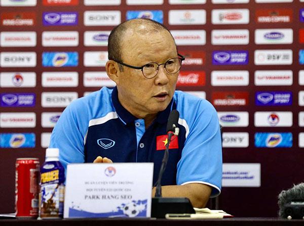 HLV Park Hang-seo chỉ ra 3 cầu thủ nguy hiểm nhất của UAE - Bóng Đá