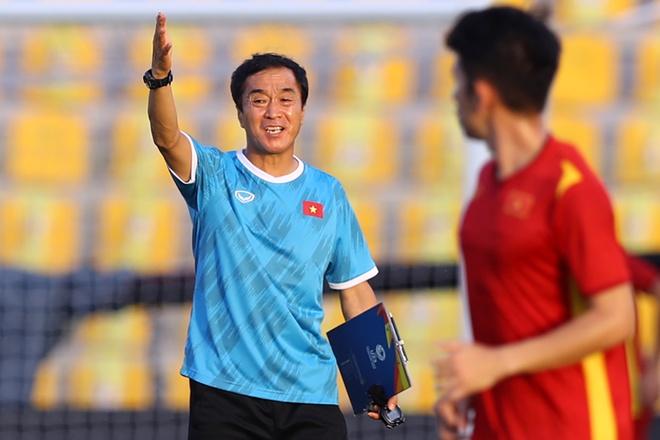 5 điểm nhấn Việt Nam 2-3 UAE: Trợ lý Lee xuất chiêu,