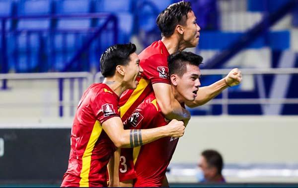 FIFA ca ngợi ĐT Việt Nam, dành lời khen đến 1 cái tên - Bóng Đá