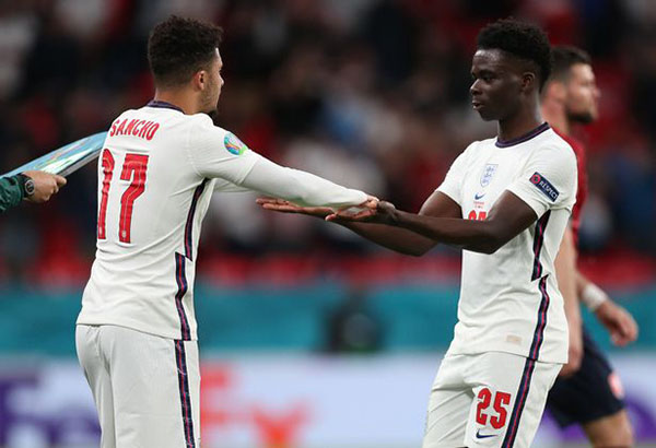 Roy Keane gợi ý lý do Sancho chưa được đá chính ở tuyển Anh - Bóng Đá